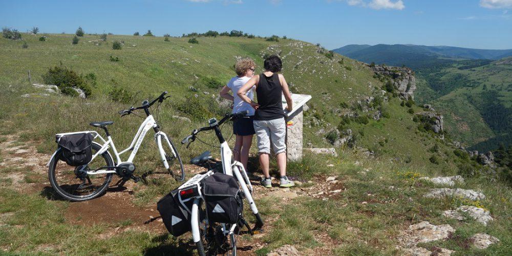 http://cevennes-evasion.fr/wp-content/uploads/2015/12/vélo-cévennes-2.jpg